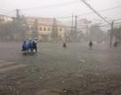 Đường sắt bị phong tỏa do bão, 6.000 người đang mắc kẹt ở Nha Trang