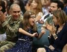 Nụ cười và nước mắt trong lễ nhập quốc tịch Mỹ của người nhập cư