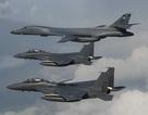 Máy bay ném bom Mỹ phô diễn sức mạnh gần bờ biển Triều Tiên