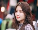 Cô gái 17 tuổi gây xôn xao phố đi bộ Hà Nội vì quá xinh đẹp