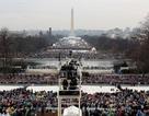 Hàng nghìn người đội mưa chờ lễ nhậm chức của ông Trump