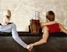 Nếu người yêu trông đẹp hơn bạn, thì họ sẽ có khả năng ngoại tình nhiều hơn?