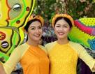 Ngọc Hân, Thanh Tú rạng rỡ trong đoàn lễ rước tôn vinh nghệ nhân, làng nghề