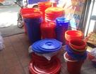 Mất nước cả tuần, người dân thi nhau sắm đồ trữ nước