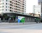 Khốn khổ vì nhà chờ xe buýt BRT không có nhà vệ sinh!
