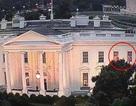 Giải mã ánh đèn nháy bí ẩn trong Nhà Trắng