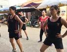 Tiểu thương hào hứng nhảy zumba ngay giữa chợ