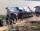 Tìm thấy thi thể người đàn ông thuê taxi lên cầu Nhật Tân tự tử