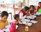Quán cơm 2.000 đồng ấm lòng người nghèo