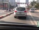 Sự nguy hiểm của những pha tạt đầu buýt nhanh Hà Nội nhìn từ ghế lái
