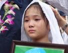 Con gái nghệ sĩ Khánh Nam nghẹn ngào trong giờ phút tiễn biệt cha