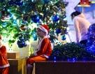 Người Sài Gòn rủ nhau ra phố đón Giáng sinh sớm