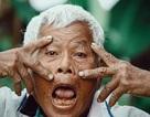 Chuyện lão nông 76 tuổi kiên cường và yêu đời qua góc máy bạn trẻ