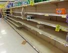 """Dân Qatar """"vét sạch"""" đồ ăn trong siêu thị vì lo sợ khủng hoảng"""