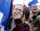 Người Pháp ăn mừng chiến thắng của tổng thống đắc cử trẻ nhất lịch sử