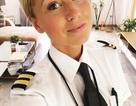 Nữ phi công xinh đẹp gây sốt trên mạng xã hội