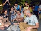 Tổ chức phố đi bộ quanh hồ Hoàn Kiếm theo từng mùa?