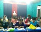 Lớp học xóa mù chữ miễn phí giữa vùng sóng nước