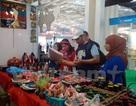 Gian hàng của Việt Nam hút khách tham quan tại hội chợ ở Algeria