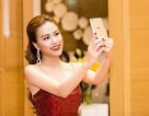 Hoàng Thùy Linh selfie cùng camera trước  20MP của Vivo V5