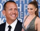"""Vừa chia tay Drake, Jennifer Lopez lại tiếp tục hẹn hò """"phi công trẻ"""""""