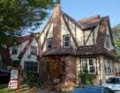 Ngôi nhà thời thơ ấu của ông Trump được bán với giá cao gấp đôi