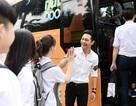 MC Phan Anh selfie cùng sĩ tử trên xe buýt tiếp năng lượng, thêm sức bền mùa thi của Nutriboost