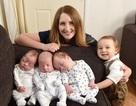"""Kinh ngạc bà mẹ bị chẩn đoán vô sinh nhưng đẻ luôn """"1 năm 4 đứa"""""""