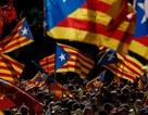 """Catalonia phải trả lời tối hậu thư: """"Có"""" hay """"Không"""" đều thiệt"""