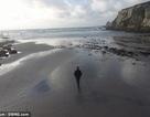 Bãi biển biến mất suốt 12 năm đột nhiên xuất hiện chỉ trong một đêm