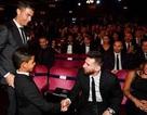 """Người hâm mộ náo loạn khi """"con trai"""" C.Ronaldo gửi thông điệp đến Messi"""
