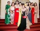 Hoa hậu Bùi Thị Hà nổi bật với phong cách quyến rũ, gợi cảm dự sự kiện doanh nhân