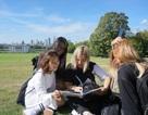 Giao lưu kinh nghiệm thời trang Anh quốc: Mở mang tầm nhìn thực tế với thời trang Việt