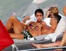 Bạn gái C.Ronaldo khoe vòng ba bốc lửa bất chấp bụng bầu