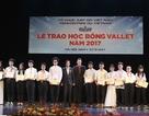 Trao 550 suất học bổng Vallet đến học sinh, sinh viên phía Bắc