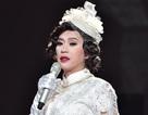 """Hoài Linh """"phá lệ"""" giả gái khoác áo cô dâu làm """"vợ"""" Quang Hà"""