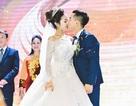 """""""Hot boy thể dục"""" Phạm Phước Hưng hôn vợ ngọt ngào trong ngày cưới"""