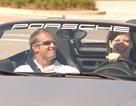 Porsche phải đền... kính râm cho khách mua xe