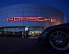 Báo Đức tố Porsche Cayenne vi phạm quy định khí thải