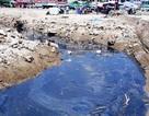 Xuất hiện dòng nước đen ngòm lộ thiên ở bãi biển Sầm Sơn