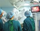 Lần đầu tiên cắt gan ung thư bằng robot