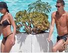 Bạn gái Cristiano Ronaldo khoe dáng gợi cảm với áo tắm 2 mảnh
