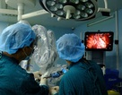 Dùng robot cắt tổn thương ác tính ở phổi người nghiện thuốc lá