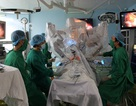 Robot phẫu thuật lần đầu cắt dạ dày bị ung thư