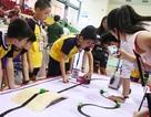 Xem học sinh tiểu học lập trình và điều khiển robot