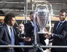 C.Ronaldo cạo đầu mừng chức vô địch Champions League