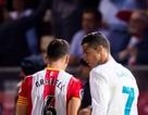 C.Ronaldo từ chối đổi áo vì đối thủ chơi xấu