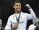 C.Ronaldo rực sáng nhờ thoát kiếp… cái máy