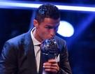 C.Ronaldo tuyên chiến Messi sau khi giành giải Cầu thủ xuất sắc nhất 2017