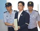 """""""Thái tử"""" Samsung bị kết án 5 năm tù"""